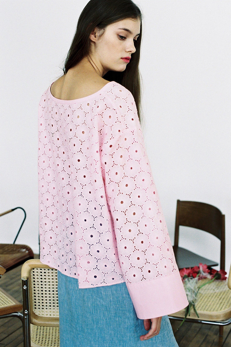 [SELF-LOVE] DAISY COTTON EMBROIDERY TOP_PINK