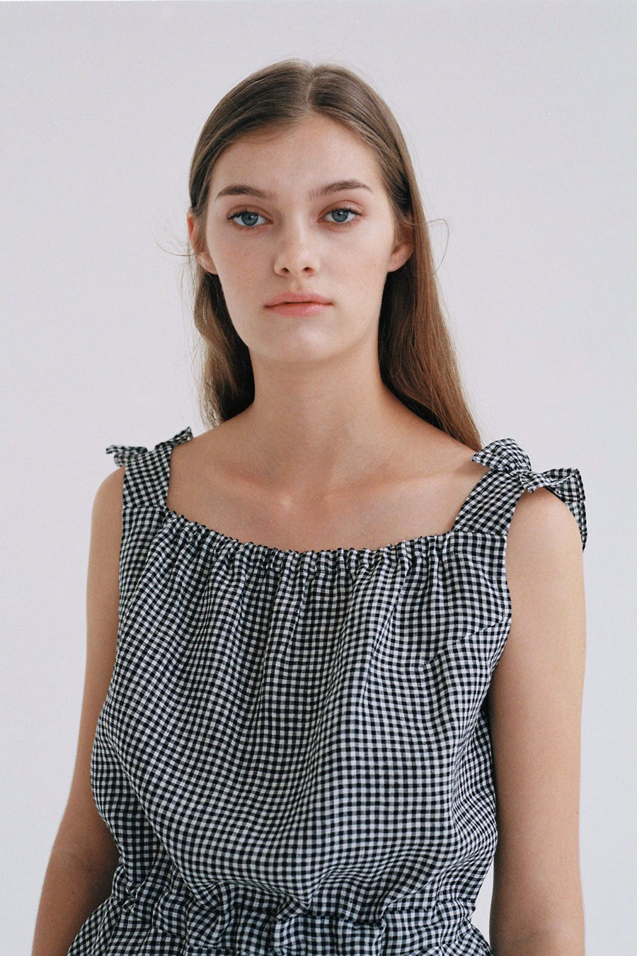 [SELF-LOVE] JUNE GINGHAM LINEN BACKLESS TOP_BLACK
