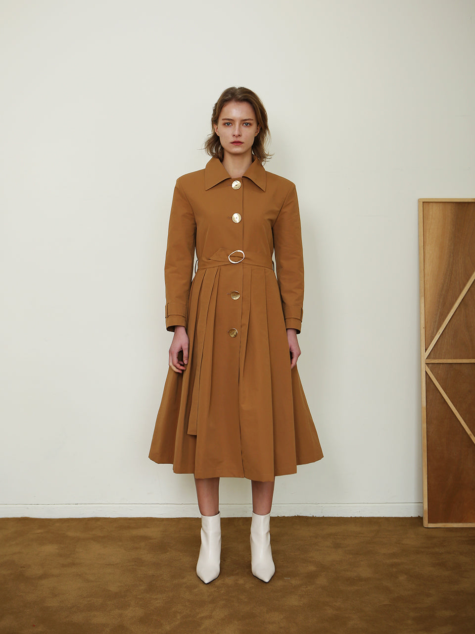 MAHOGANY PLEATED TRENCH COAT