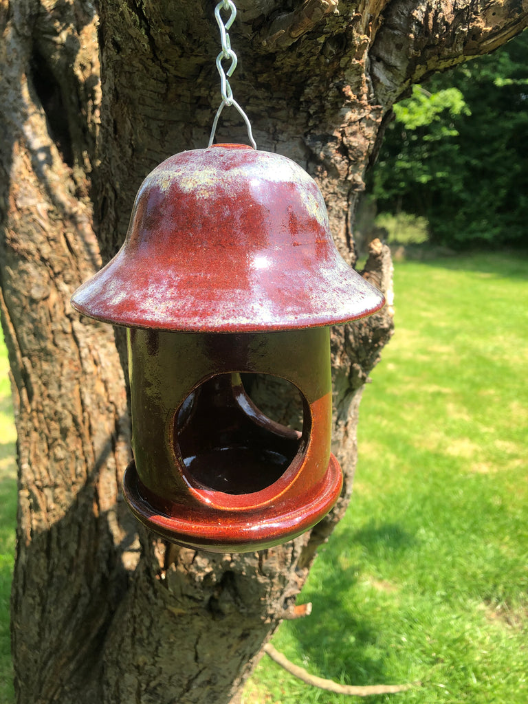 Brown/red Clarence bird feeder