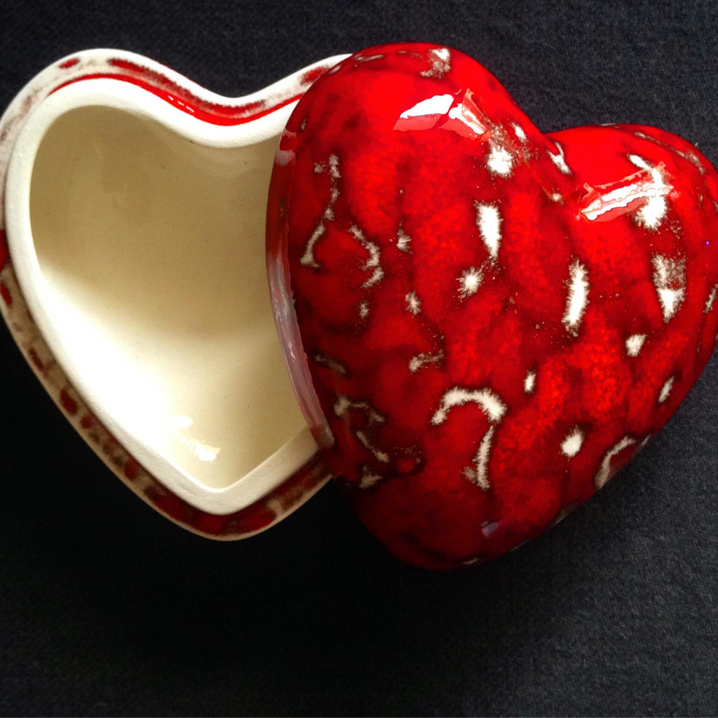 Heart shaped box - Black Star Ceramics