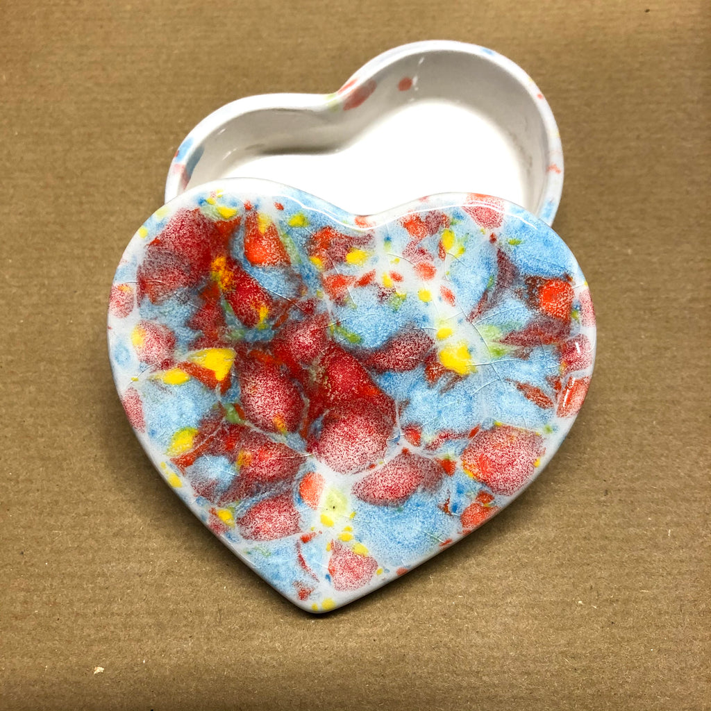 Heart small trinket box - Shes a Rainbow 🌈