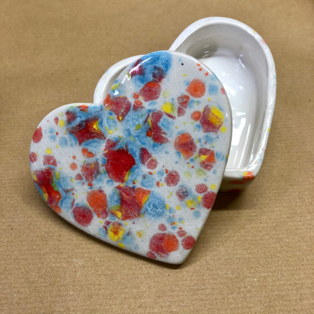 Heart medium trinket box - Shes a Rainbow 🌈