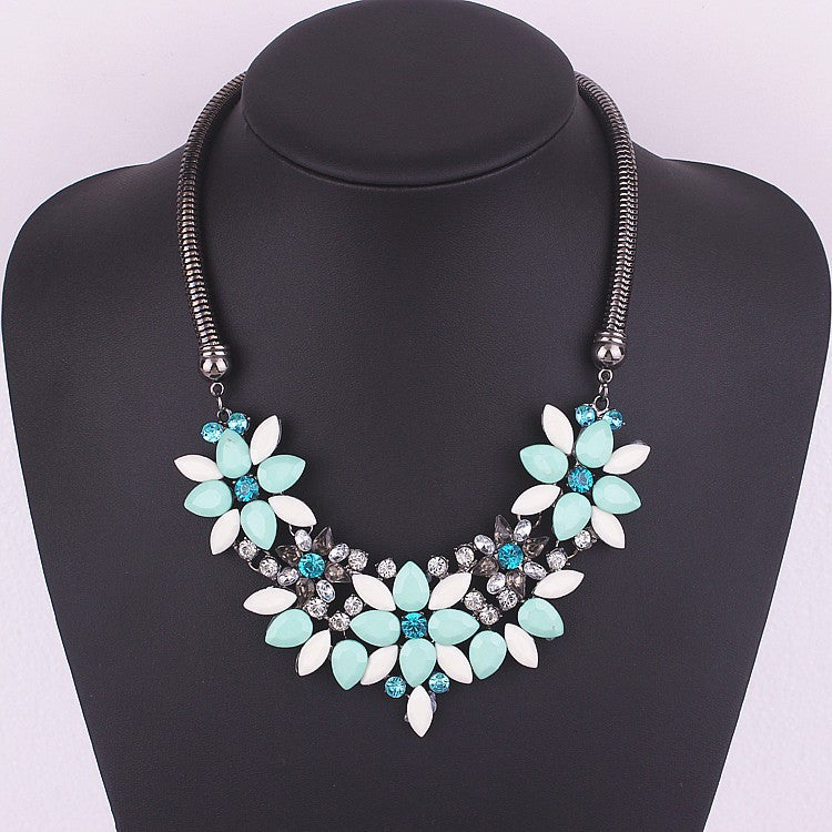 Geometric Flower Short Necklace on a Snake Chain