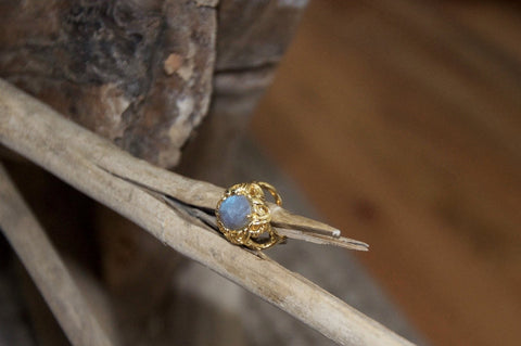 Rose-cut Labradorite Gold Ring