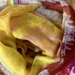 Cashmere scarf yellow pattern