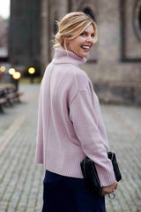 Marilyn - cashmere sweater med turtleneck - Dusty Rose