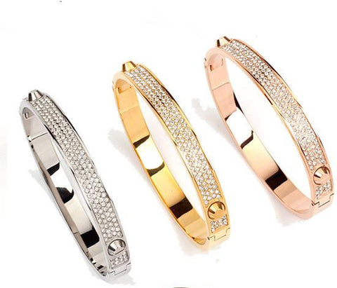 THREE DIMENSIONAL CUBIC DIAMOND SNAP BRACELET - The Fashion Armoire Ltd. Co.