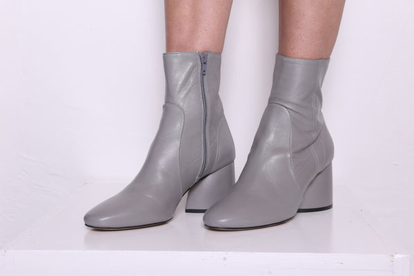 LUCK Grey Leather