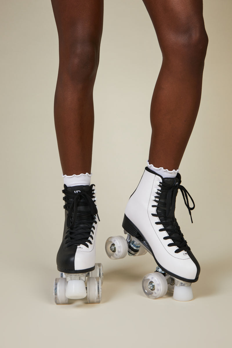 PARTNER SKATE Black White