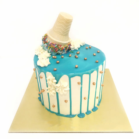 Ice Cream Sundae Decor Cake