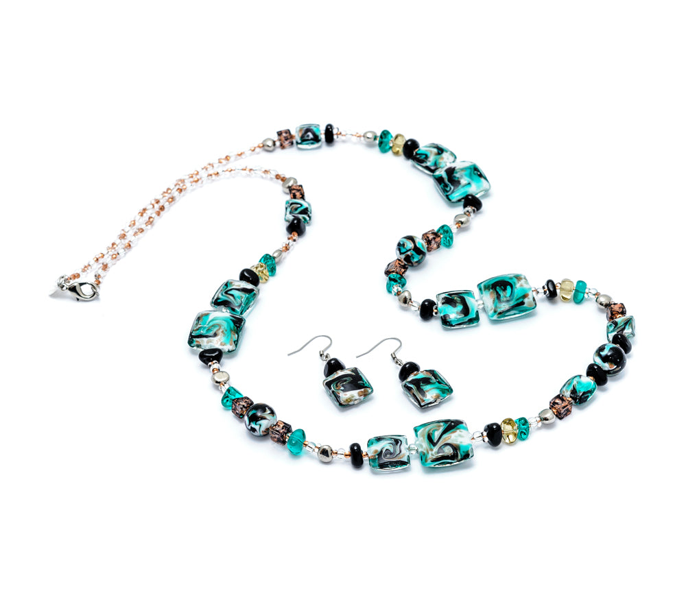 TAYLOR - Murano Glass Two-Piece Necklace and Earrings Set