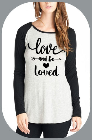 "Graphic ""Love and be Loved"" long sleeve tee"