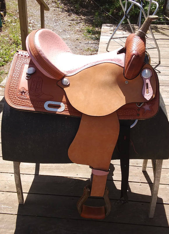 American Saddlery  Barrel Racer 16 Inch Pink Ostrich seat with boot and star - [product_type} - Hamps Saddle & Tack