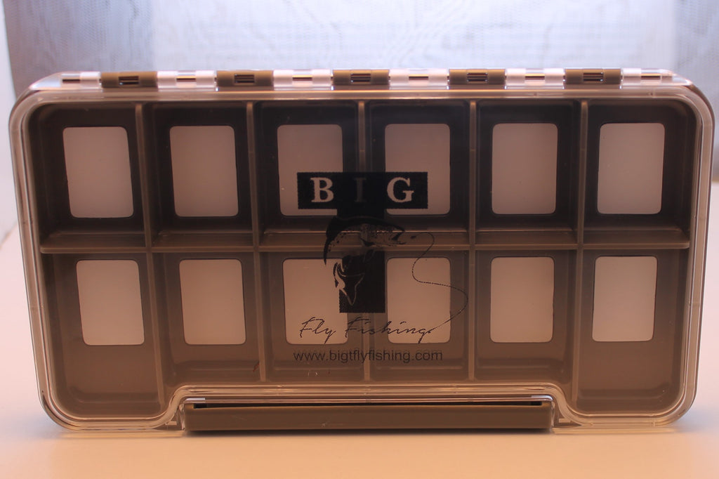 Magnetic 12 compartment fly box