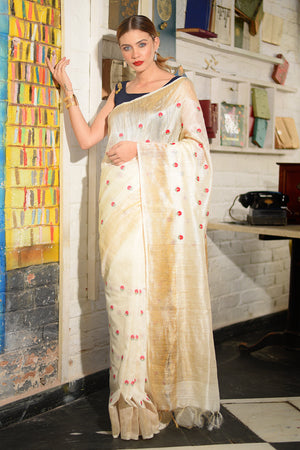 Beige Gheecha Silk Saree With Ditsy Floral Embroidery