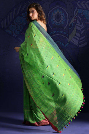 Green  Pure Cotton Saree With Thread Stitch
