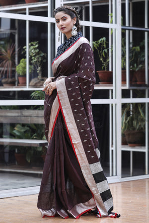 Deep Purple Linen Saree With Threadwork and Checkered pallu