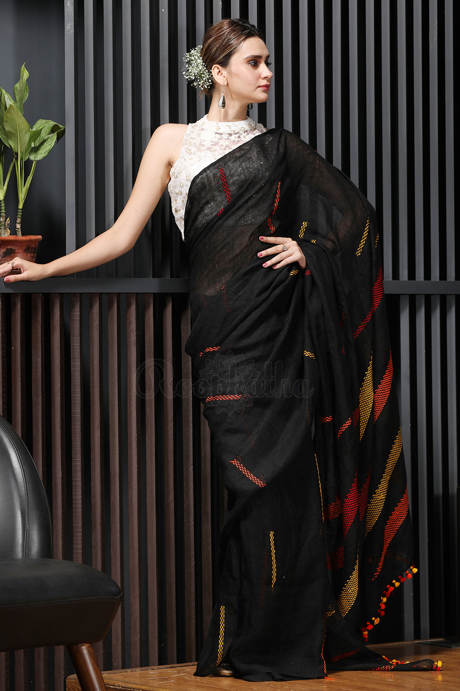 Black Linen Saree With Long and Short Stiches