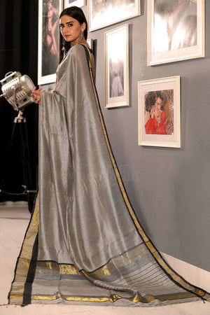 Grey Matka Silk Saree With Zari
