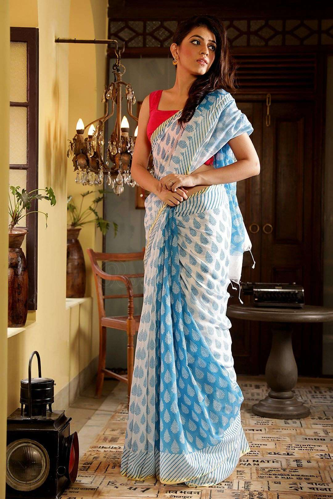 White Blended Cotton Saree With Prints
