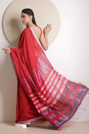 Red Cotton Saree With Zari Pallu