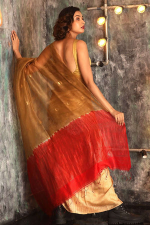 Beige Matka Silk Saree With Zari