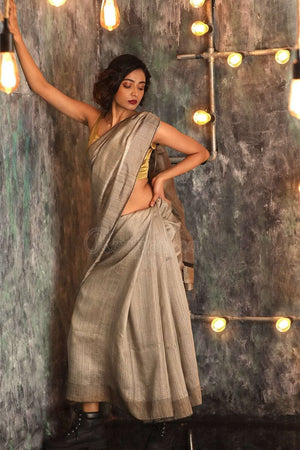 Grey Matka Silk Saree With Woven Pallu