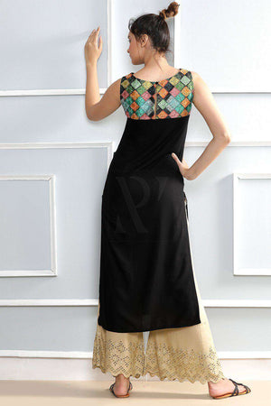 Black Sleeveless Kurta