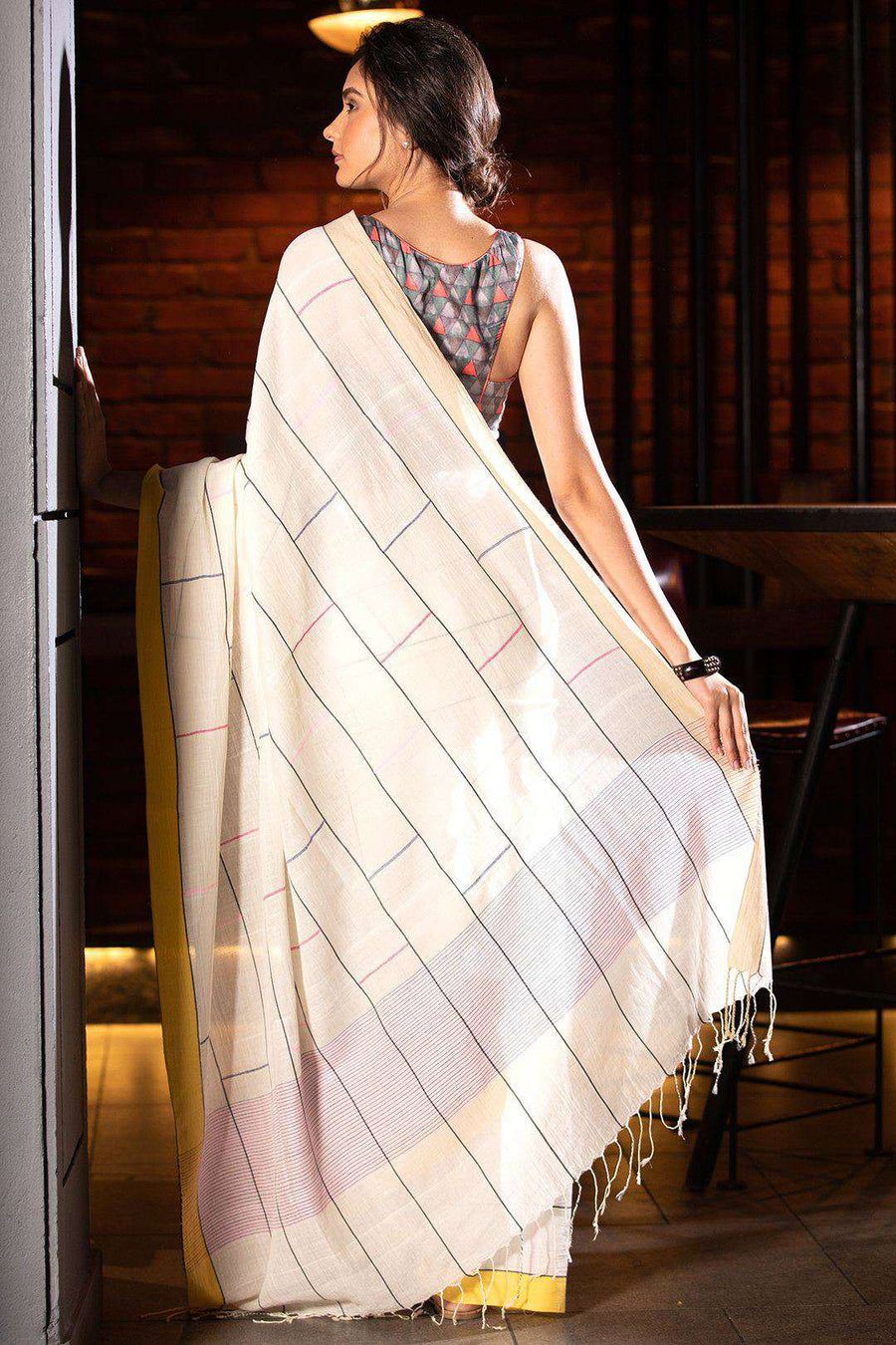 White Pure Cotton Saree With Woven Design