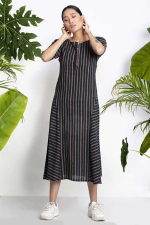 Black Handwoven Kurta With Stripes Rivka Roopkatha - A Story of Art