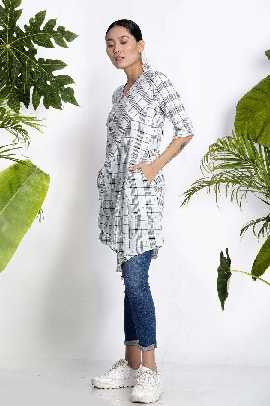 White Handwoven Kurta With Asymmetric Cut