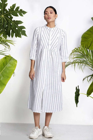 White Hanwoven Kurta With Stripes Rivka Roopkatha - A Story of Art