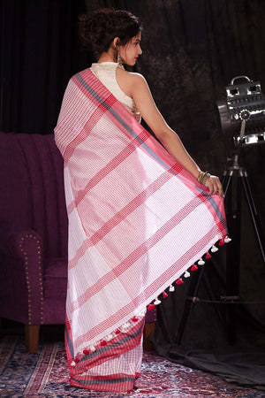 Red & White Cotton Handloom Saree With Checkered Design Cotton Threads Of India Roopkatha - A Story of Art