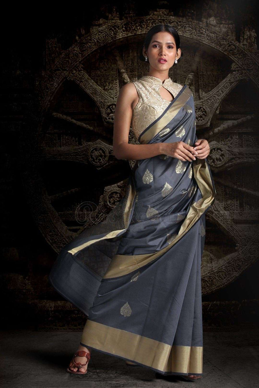 Grey Blended Silk Saree With Zari Motifs