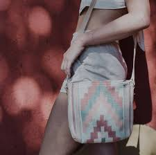 Primavera Pyramid Crossbody