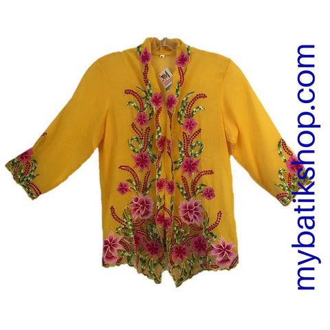 Kebaya Nyonya Fine Embroidery Yellow 3/4 Sleeves Petite