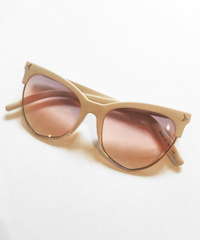 4a7813272ce 1940s Style Cream Horn Rimmed Sunglasses