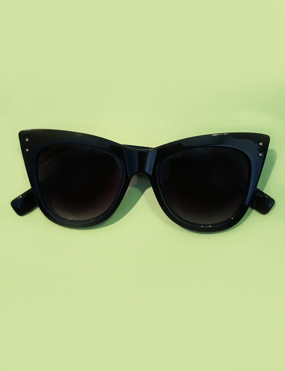 Solid Black Retro Classic Framed Sunglasses