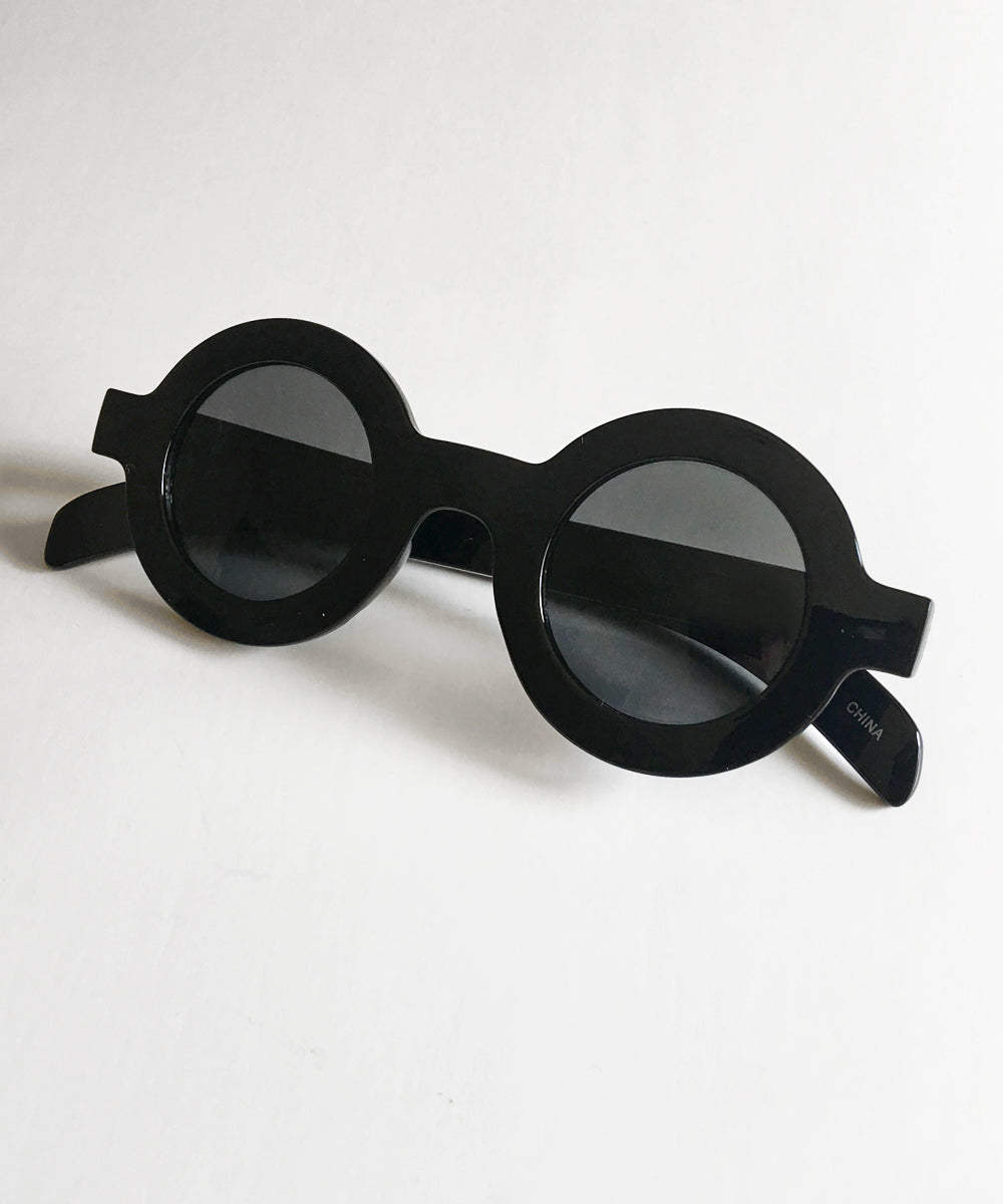 Solid Black 1940s Inspired Retro Round Sunglasses