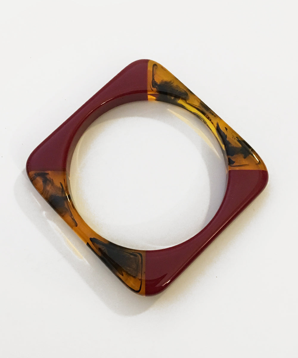 Two Toned Marbled Resin Burgundy Square Bangle