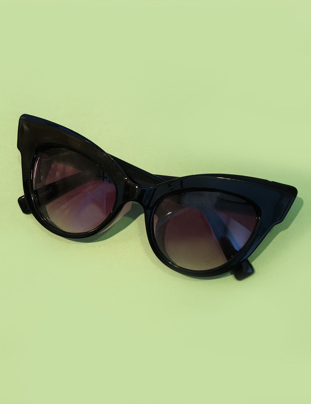 The Cat's Meow Solid Black Unique Retro Cat Eye Sunglasses