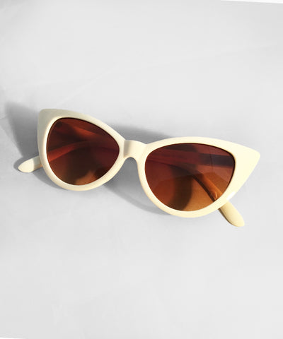 Imperfect Ivory Plastic Classic Cat Eye Sunglasses
