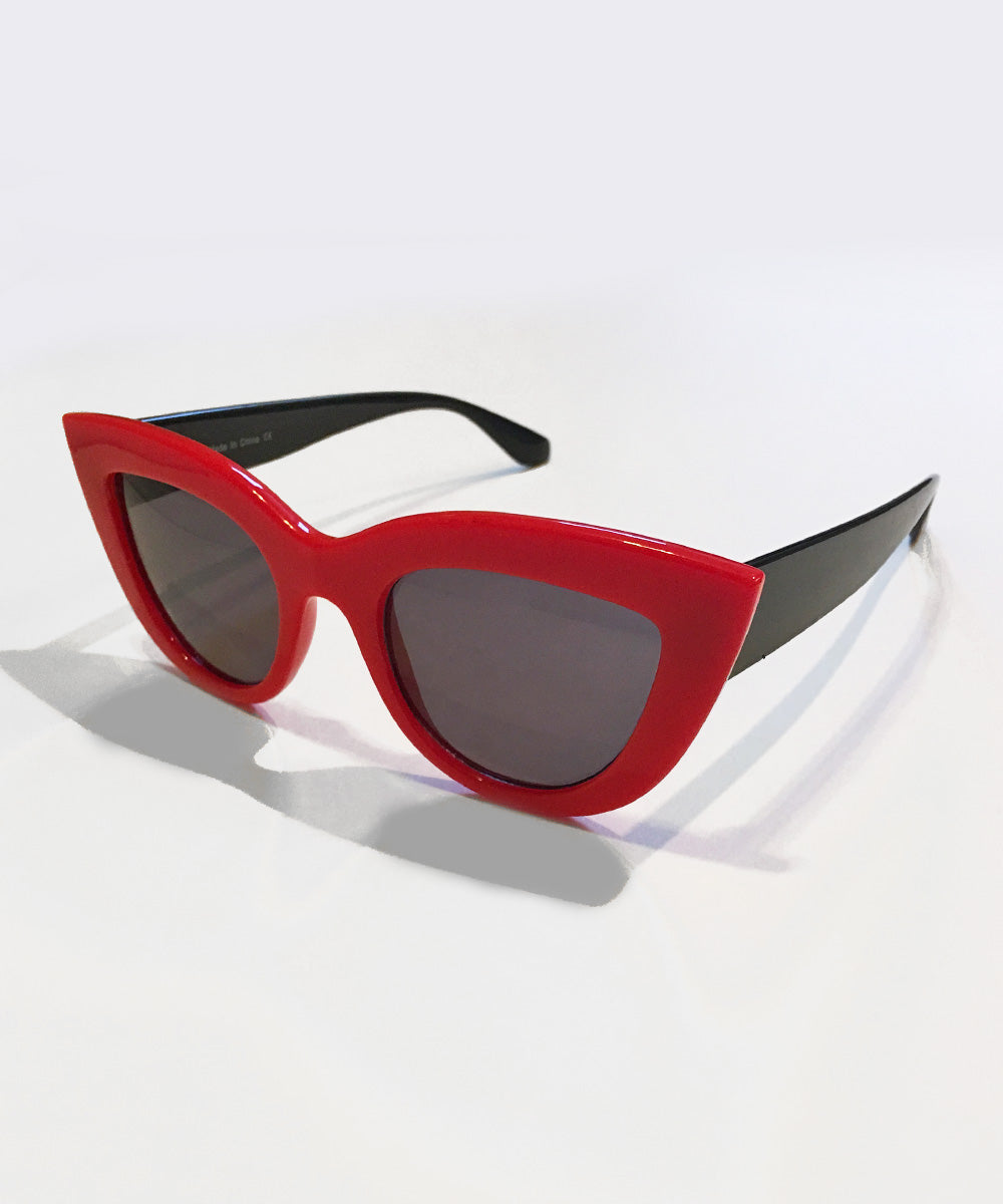 Red & Black 1950s Thick Retro Sunglasses