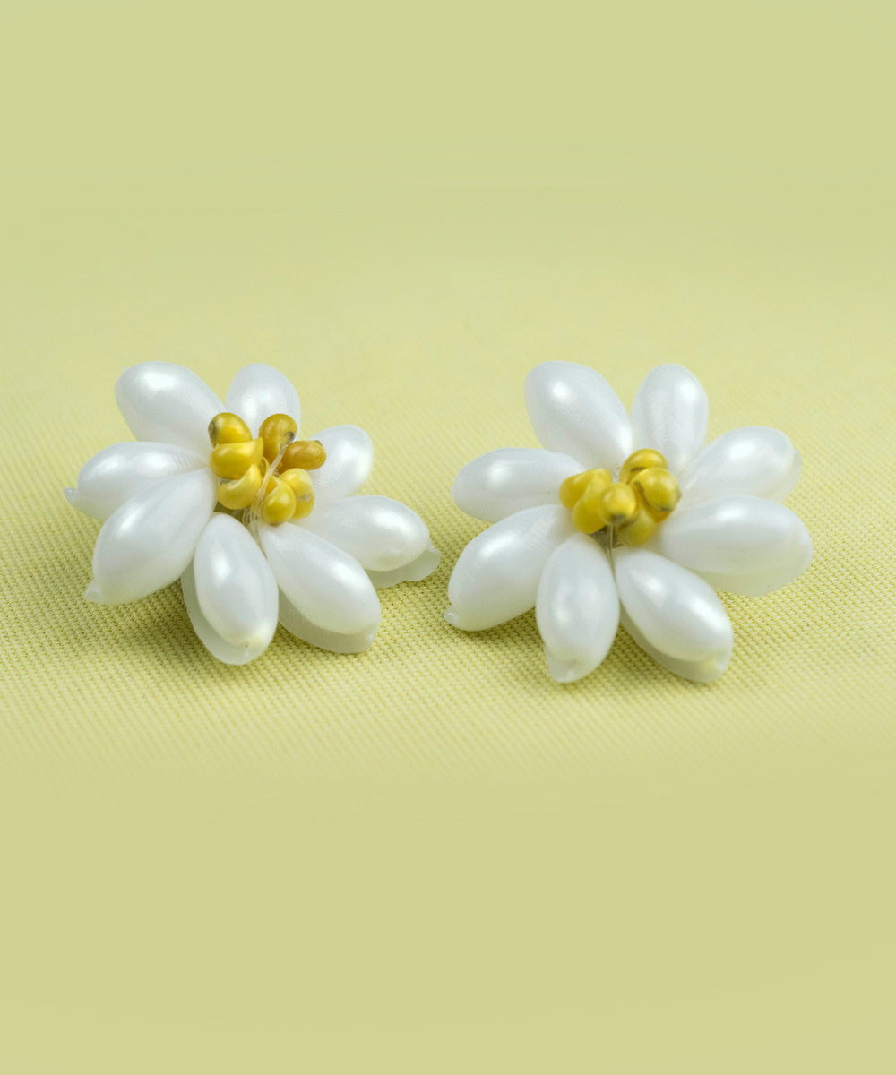 White & Yellow Retro Shell Flower Clip On Earrings