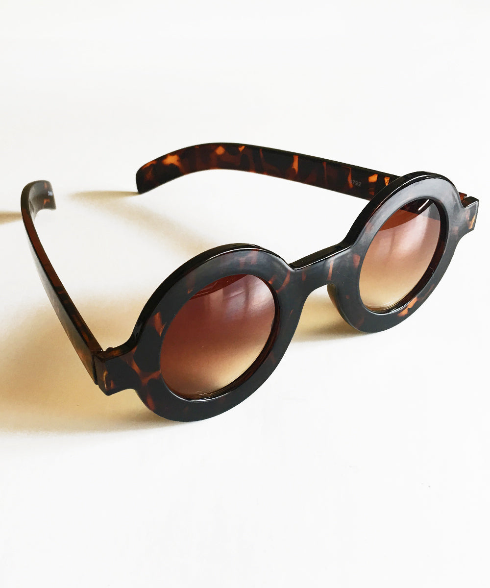 Tortoise Brown 1940s Inspired Retro Round Sunglasses