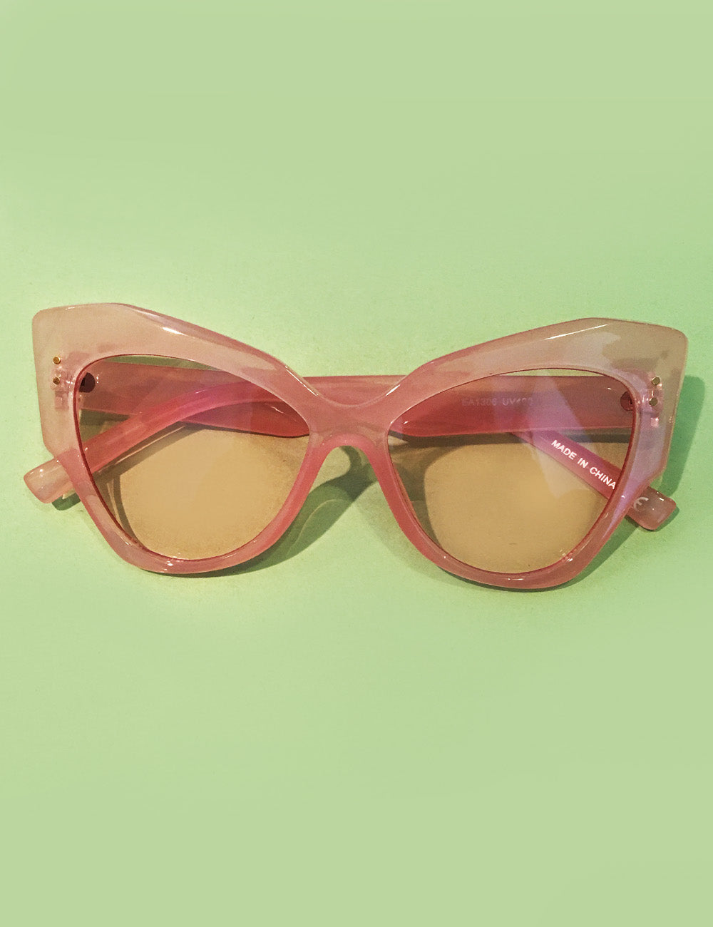 Translucent Pink Oversized Retro Doris Cat Eye Sunglasses