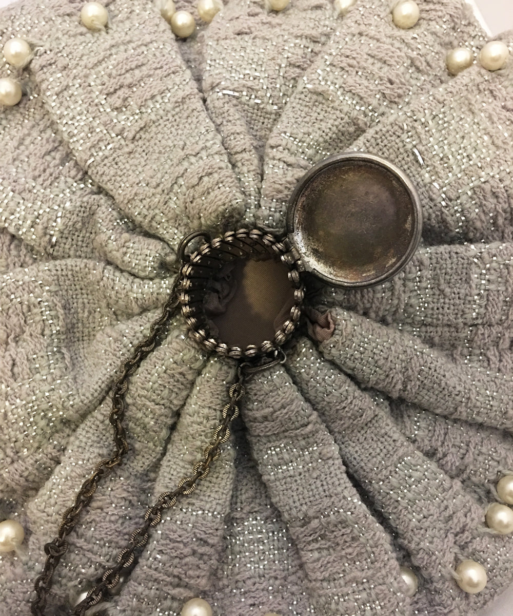 Authentic Vintage 1950s Silver Grey Knit & Pearl Beaded Gate Purse