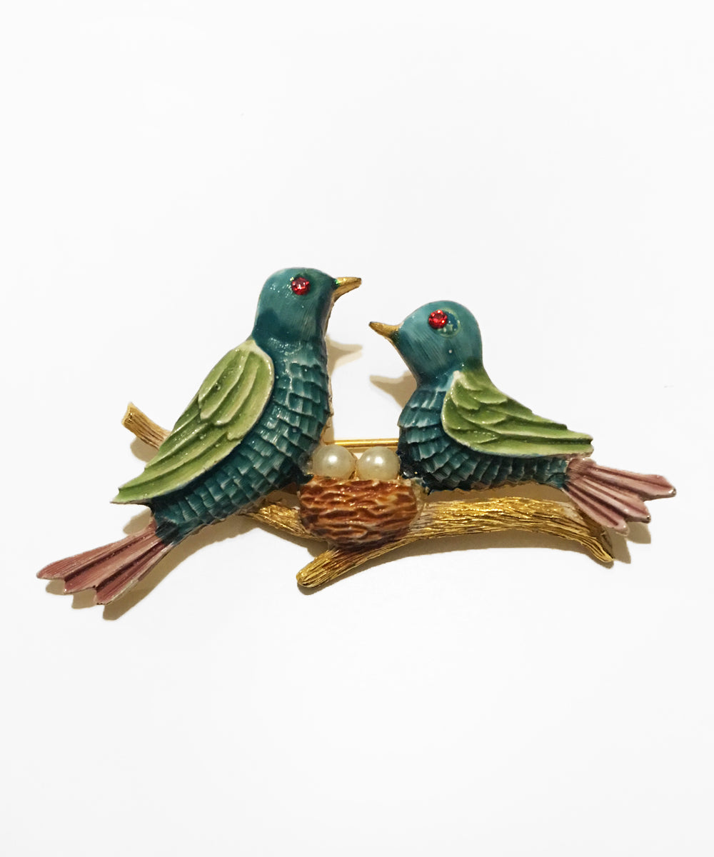 Vintage 1970s JJ Jonette Gold Painted Nesting Birds Brooch