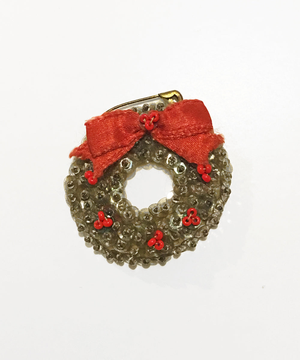 Vintage Delicate Silver Handmade Christmas Wreath Sequin & Beaded Pin